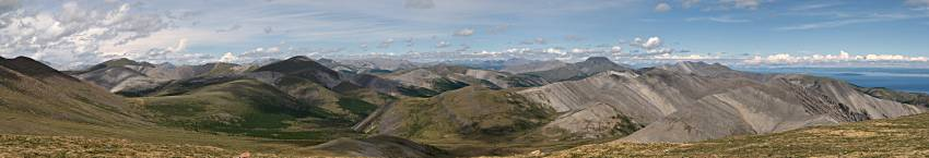 panorama of northern Mongolian mountains